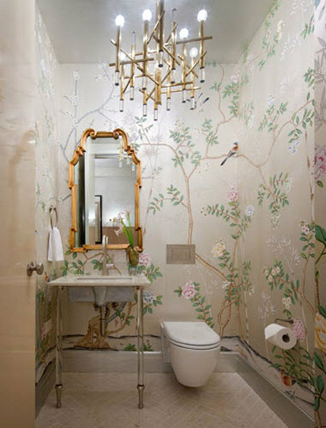 chinoiserie wallpaper in the bathroom shawn henderson - Chinoiserie Behang