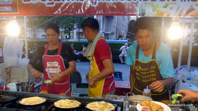 The khai jiao (Thai-style omelet) family was doing brisk business.