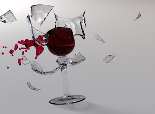 خمس علامات تدل على عدم ثقتك بنفسك - كوب يتكسر ينكسر مكسور زجاج زجاجى - cup glass break broken