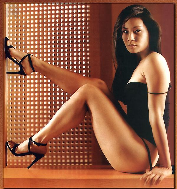 foto chica asiatica desnuda: