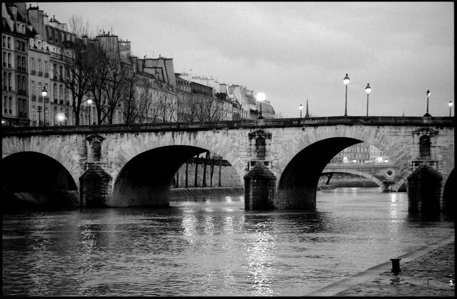 paris black and white free download wallpaper
