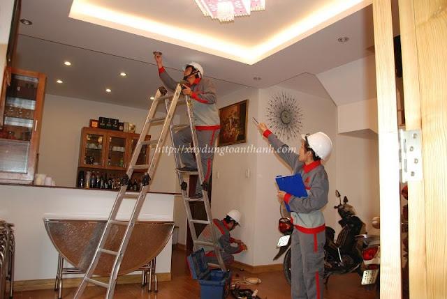 công nhân của công ty sửa nhà Toàn Thành