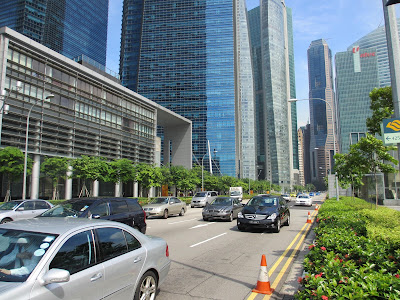 Singapore's urban mobility model: a slightly critical look