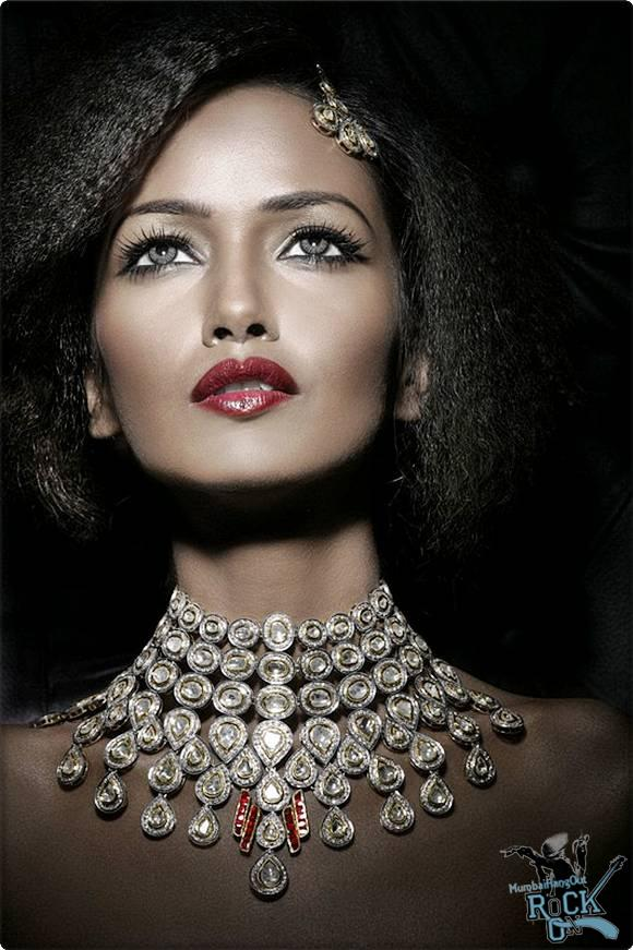 Brilliant Most Beautiful Jewellery in the World 580 x 871 · 79 kB · jpeg