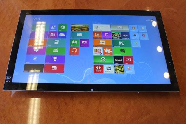 Sony VAIO Tap 21 на столе