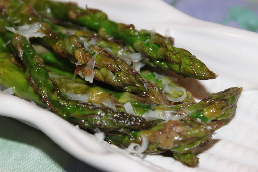 Tormented Kitchen: Roast Asparagus with Parmesan