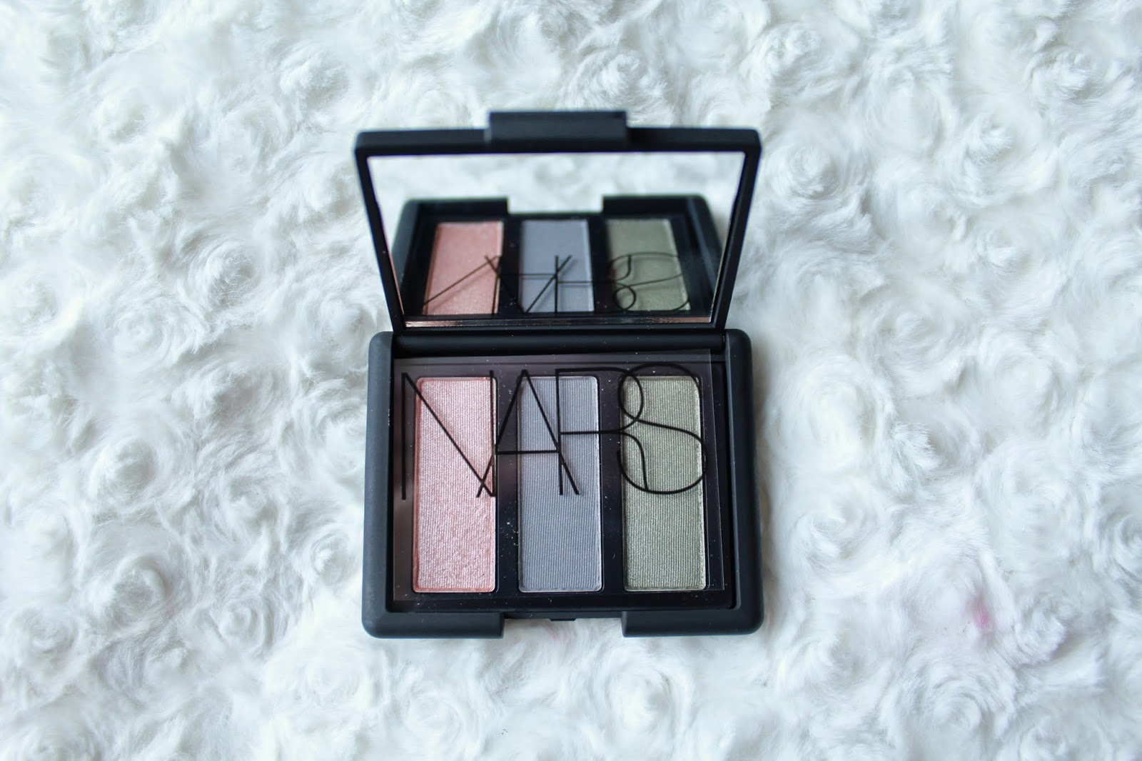 Nars Trio Eyeshadow Palette in Delphes