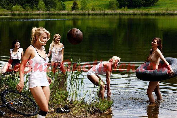footballeuses allemandes nues playboy joueuses