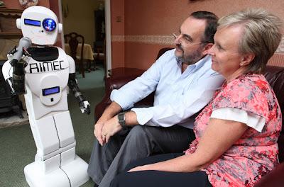 Aimec Robot Pengganti Anak di Rumah