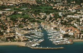 Locations vacances Fréjus 200 euros