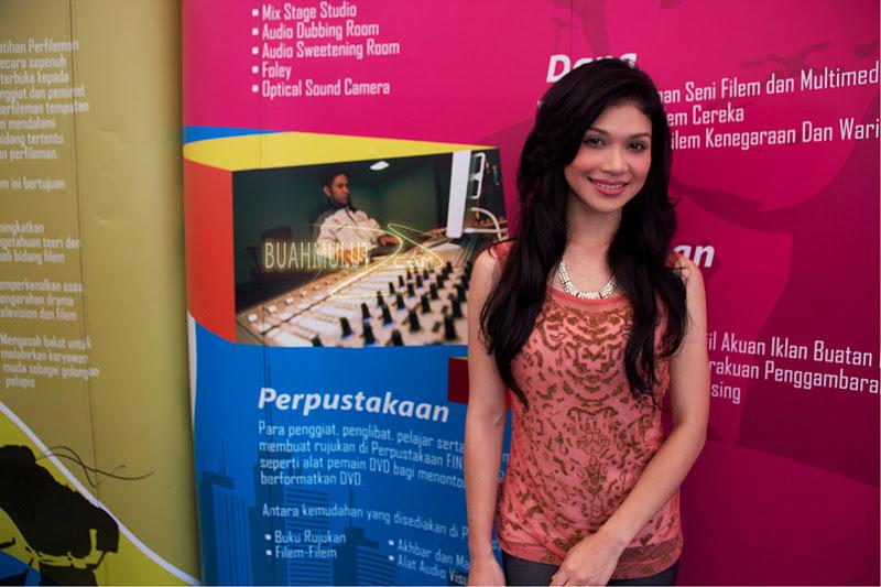 Anzalna Nasir - Dewi Remaja 2011