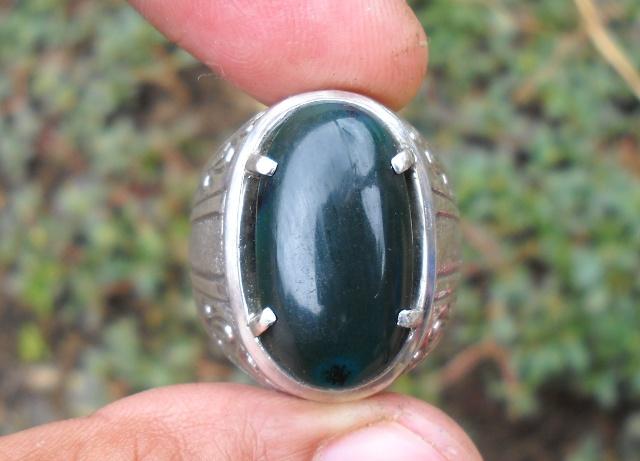 Koleksi Batu Antik: BC55- Batu Bacan Hijau Cincau Semi Kristal...SOLD