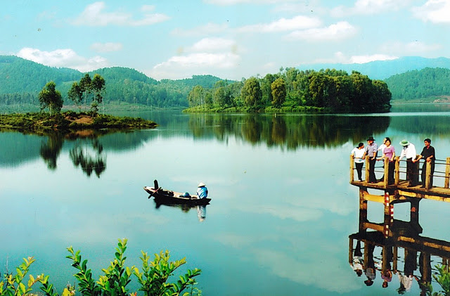 Trang Den Lake - Nghe An - Vietnam