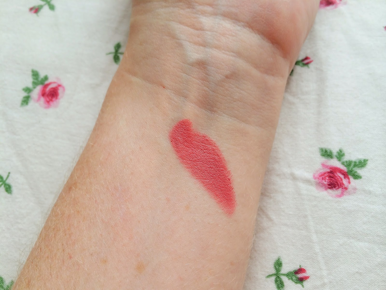 Bardo Pink Lips | MAC Matte Lipstick in Please Me Review Swatch