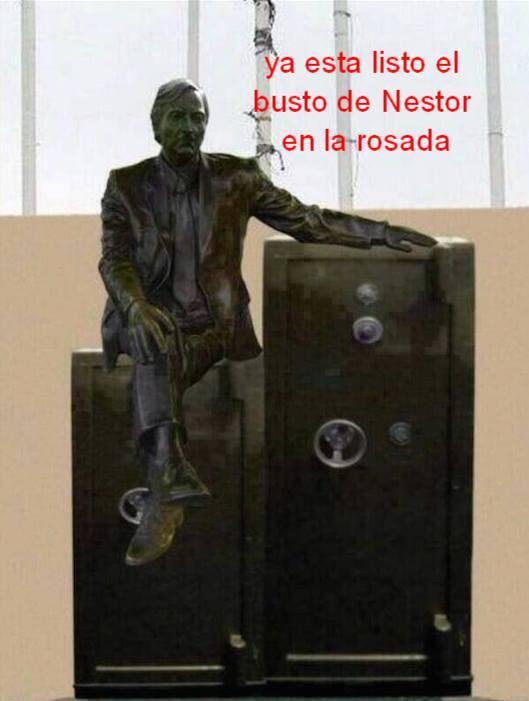 EN HONOR A NESTOR