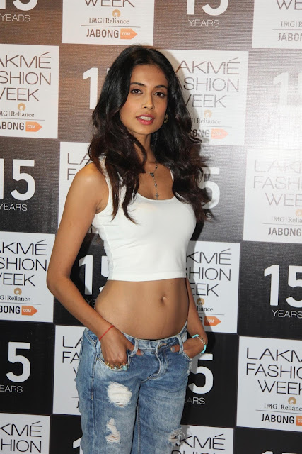 Actress Sarah Jane Dias Navel Photos