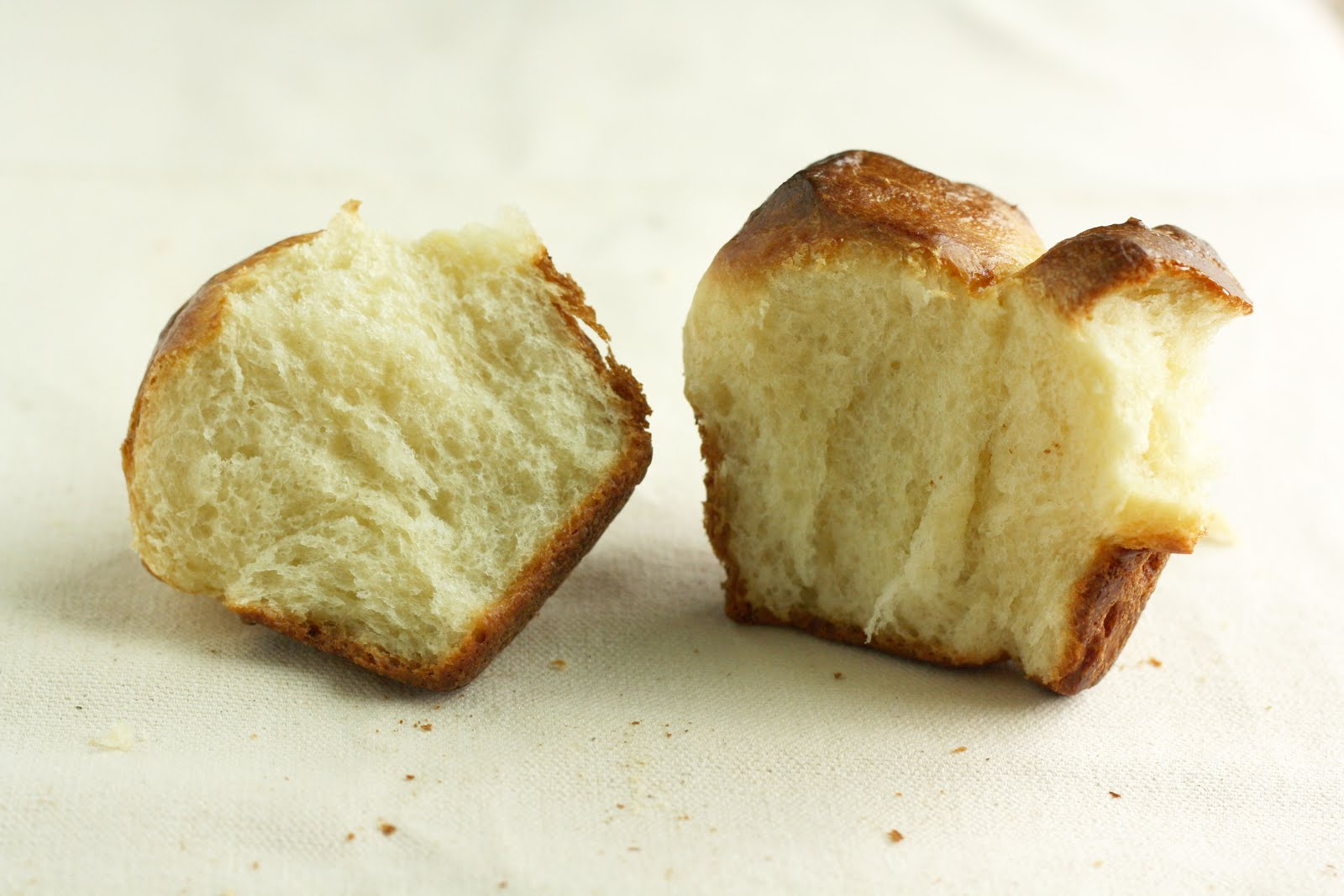 Bubble Top Brioche - hummingbird high || a desserts and baking blog