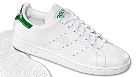 how to get white tennis shoes clean