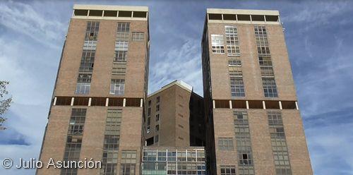 Arte historia y curiosidades edificio singular el - Edificio singular pamplona ...