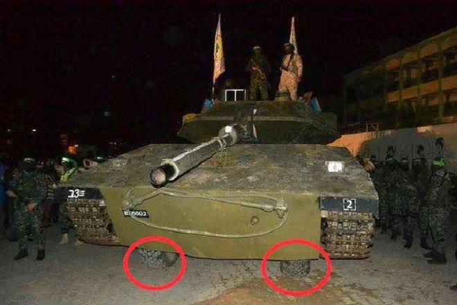 اسرائيل تسخر من دبابة حماس ..مصنوعة من الخشب والتايلون