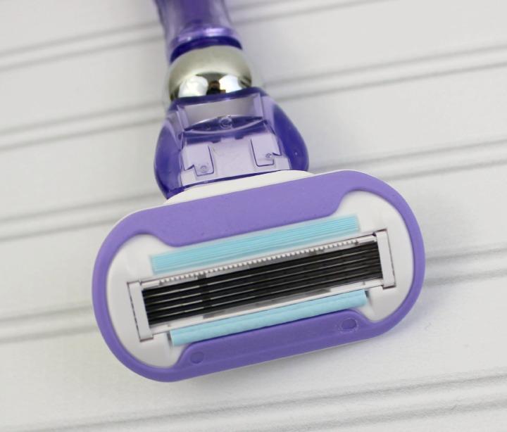 Gillette® Venus Swirl™ razor