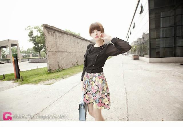 2 Zheng Lu - Mystery Figure- very cute asian girl-girlcute4u.blogspot.com