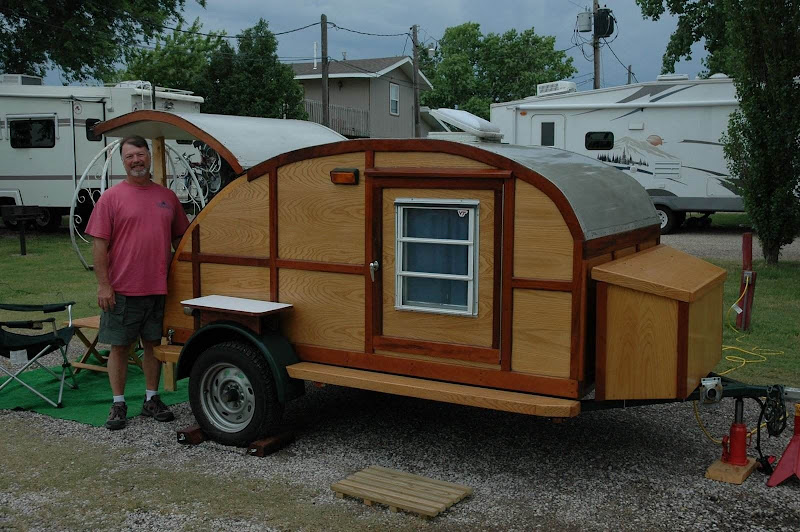 Handmade tiny teardrop trailer I saw in Roanoke, VA this past summer. title=