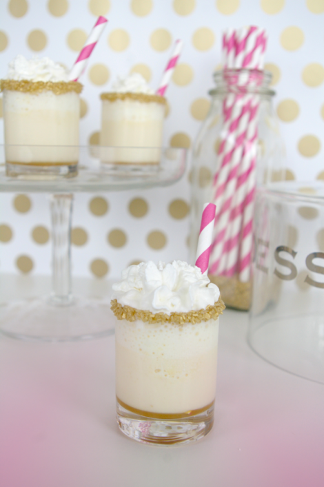 Salty/sweet wins every time! | Salted Caramel Ice Cream Shots via Sugar and Cloth | Sweet Tooth blog