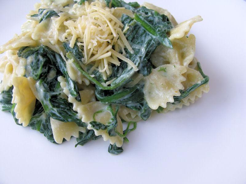 pastasaus ricotta spinazie