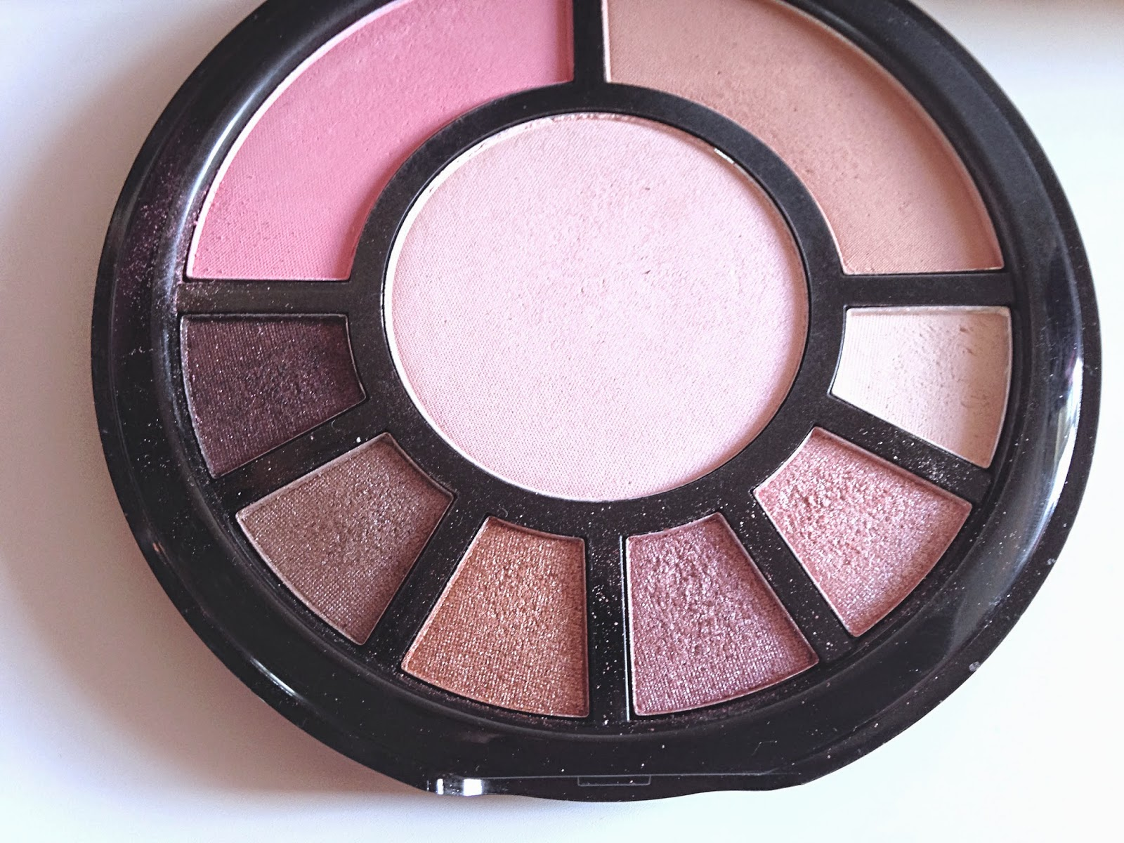 I ♥ Makeup Go! Palette Makeup Revolution