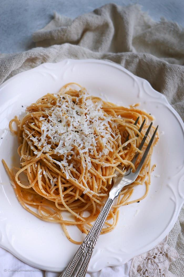 Pasta con Mantequilla Avellanada y Queso Cotija