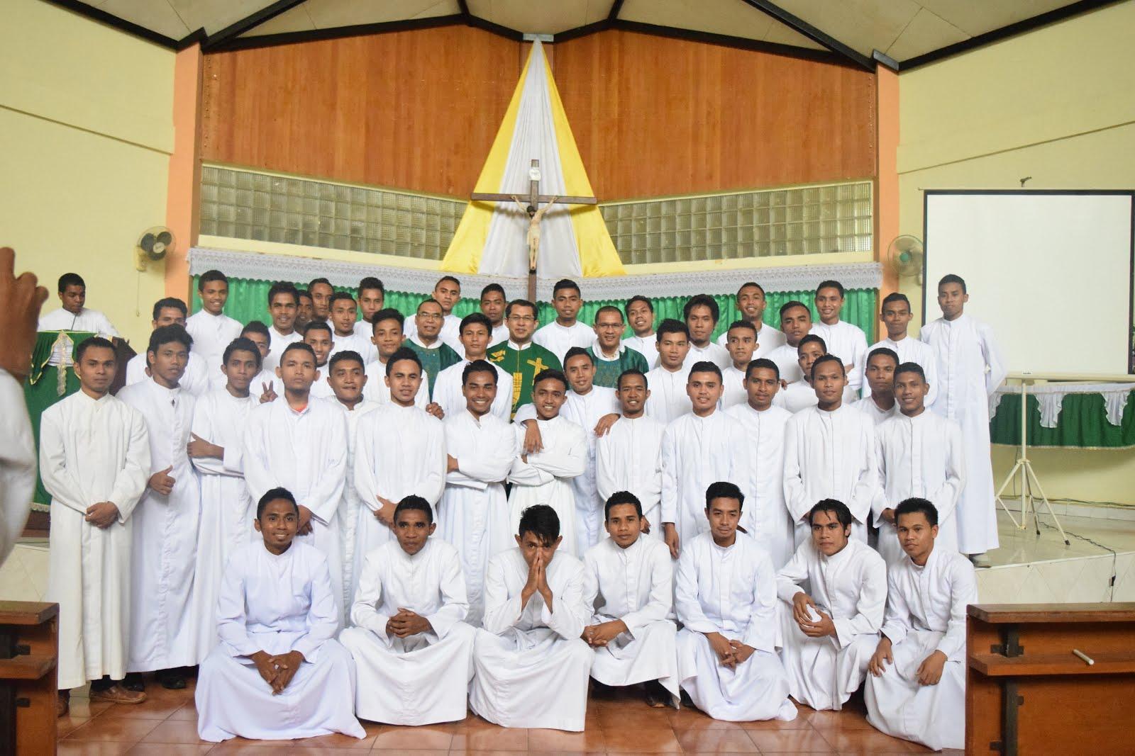 Bersama Para Seminaris Penfui Keuskupan Kupang (17-21 Januari 2017)