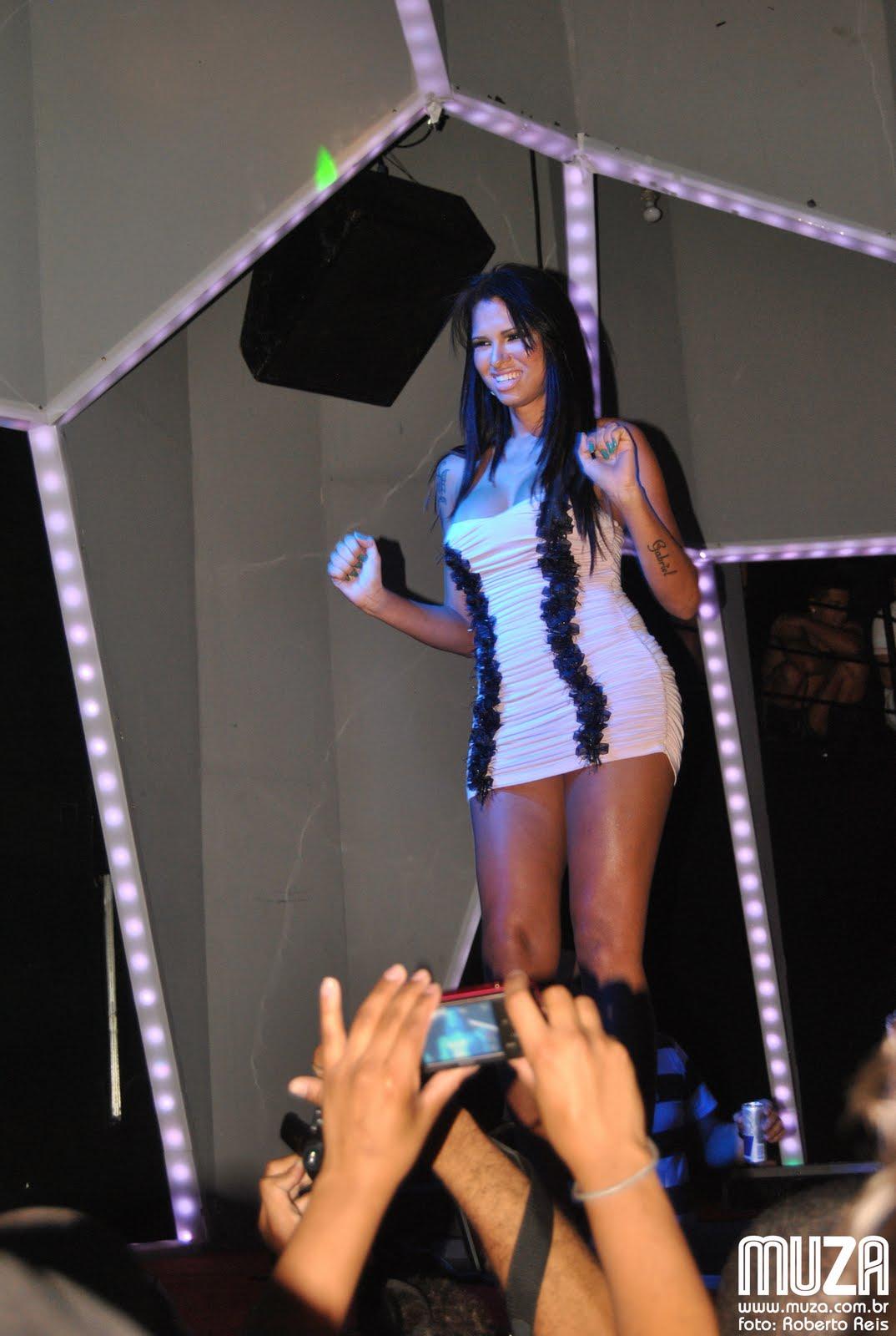 1 11 2011 travesti eu da calcinha fio branco da tania - 4 7