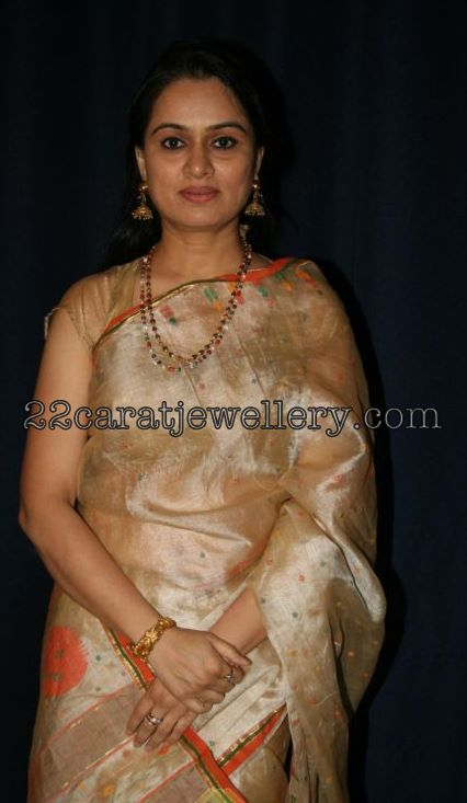 padmini kolhapure in saree - photo #23