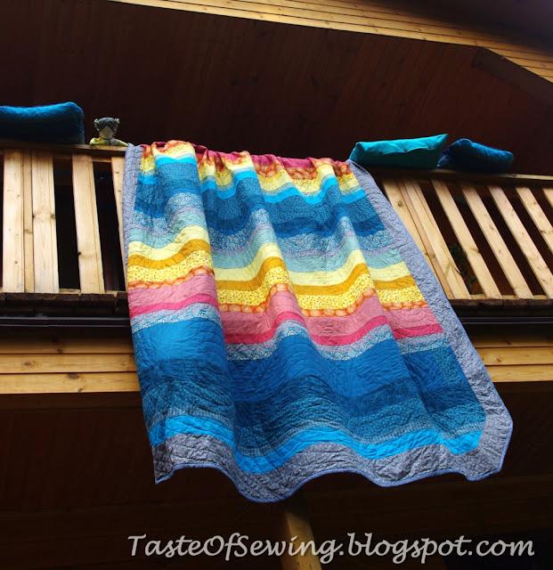 blue stripe quilt пэчворк из полос бирюзовый жёлтый стежка кругами