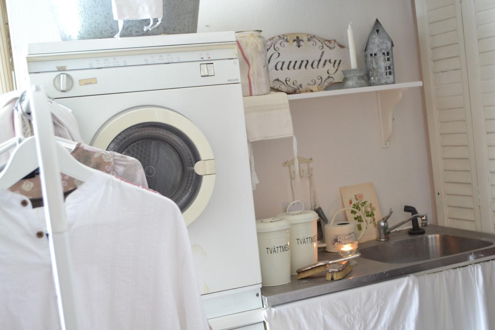 Vita paradiset: vi fortsätter in i tvättstugan.....
