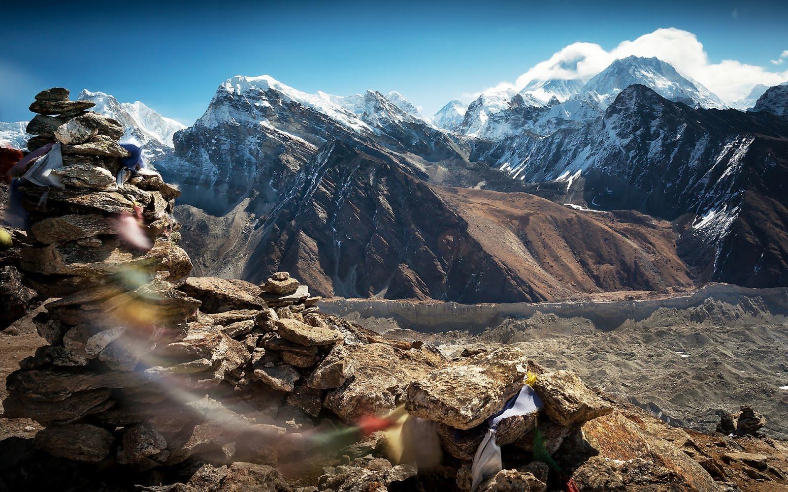 http://1.bp.blogspot.com/-1BLbC_C-O7g/UIbwu1WBftI/AAAAAAABMa8/kbKMNlJ9UOA/s1600/tibet-mountains-1920x1200-wallpaper-monta%25C3%25B1as-de-nepal-con-nieve.jpg