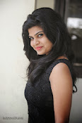 Alekya Photos in Black at Aa Aiduguru Press meet-thumbnail-20