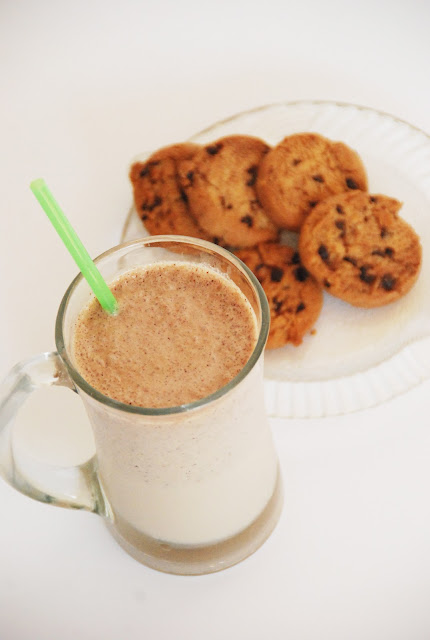 The Pink Doormat: Chocolate Chip Cookie Milkshake