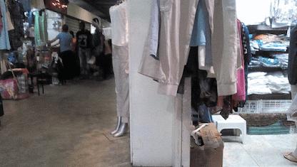 Bachaqueros están cómodos en el mercado de Chacao Por: Últimas Noticias+