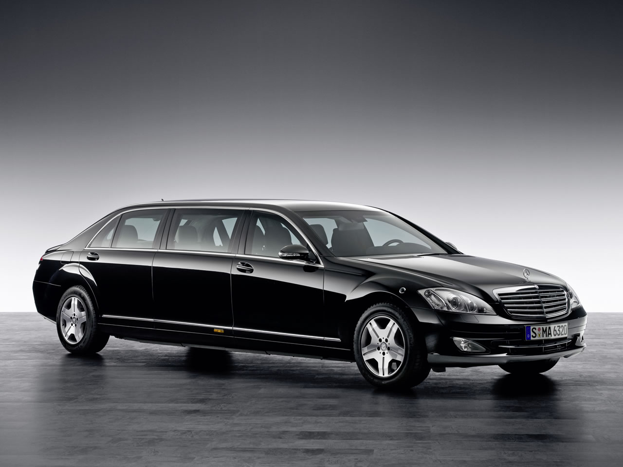 The mercedes benz s600 pullman guard presidential limousines for S600 mercedes benz