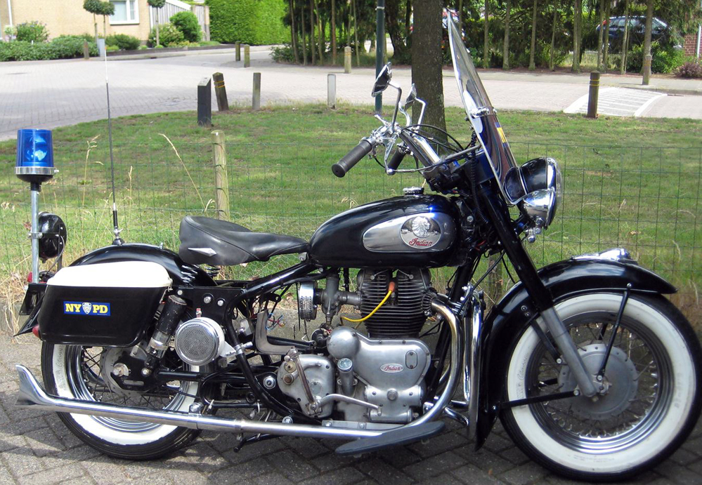 royal enfield built indian chief packs power authority. Black Bedroom Furniture Sets. Home Design Ideas