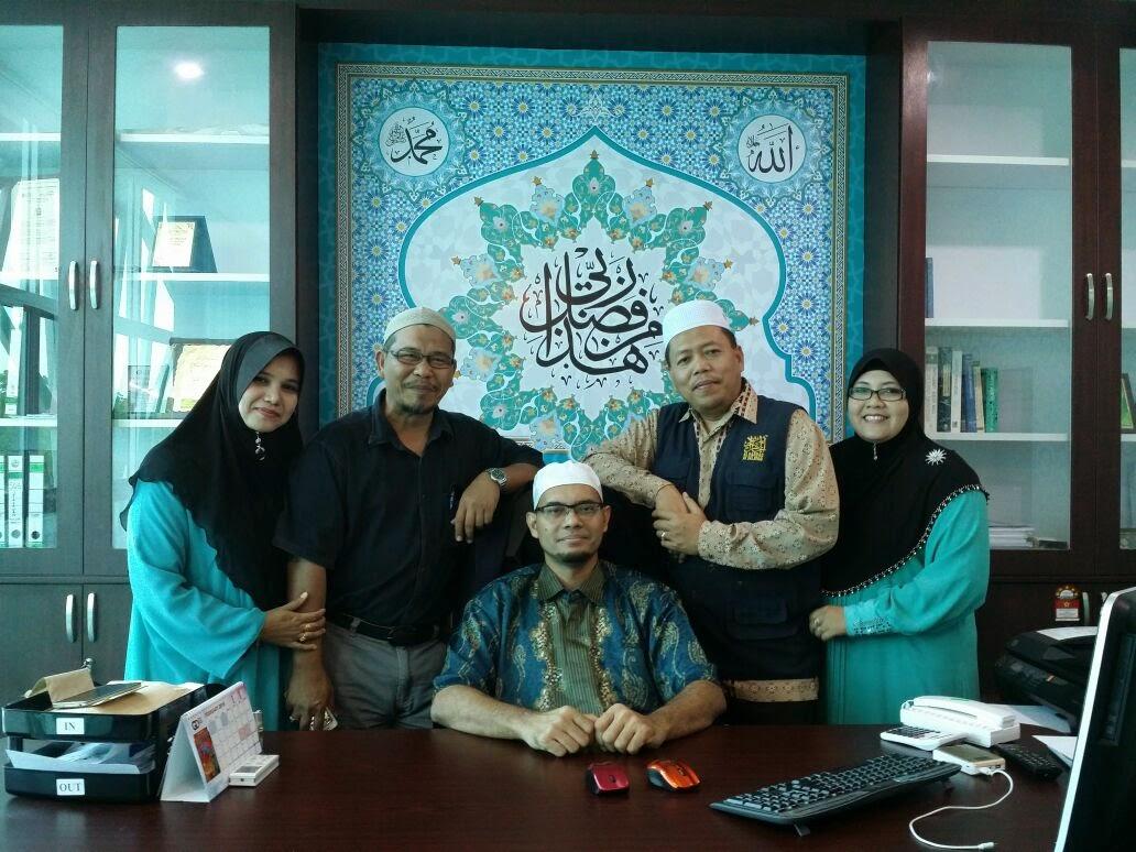 Gambar bersama Ceo Al- Haddad Marketing Sdn Bhd