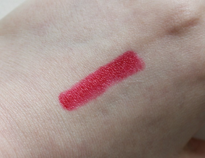 "XO Memebox ""I'm Lip Crayon"" in Chloe swatch swatches"