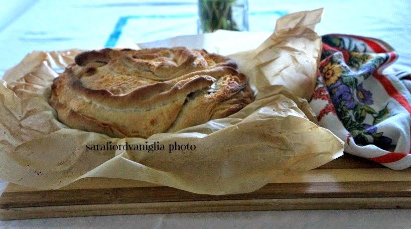 focaccia sfogliata con pancetta coppata e parmigiano