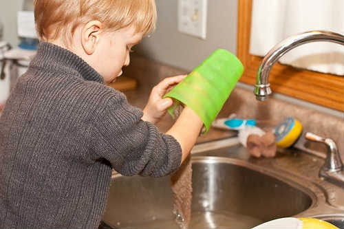 Chores for children - washing dishes