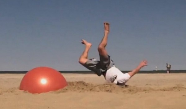 Blooper con pelota en la playa