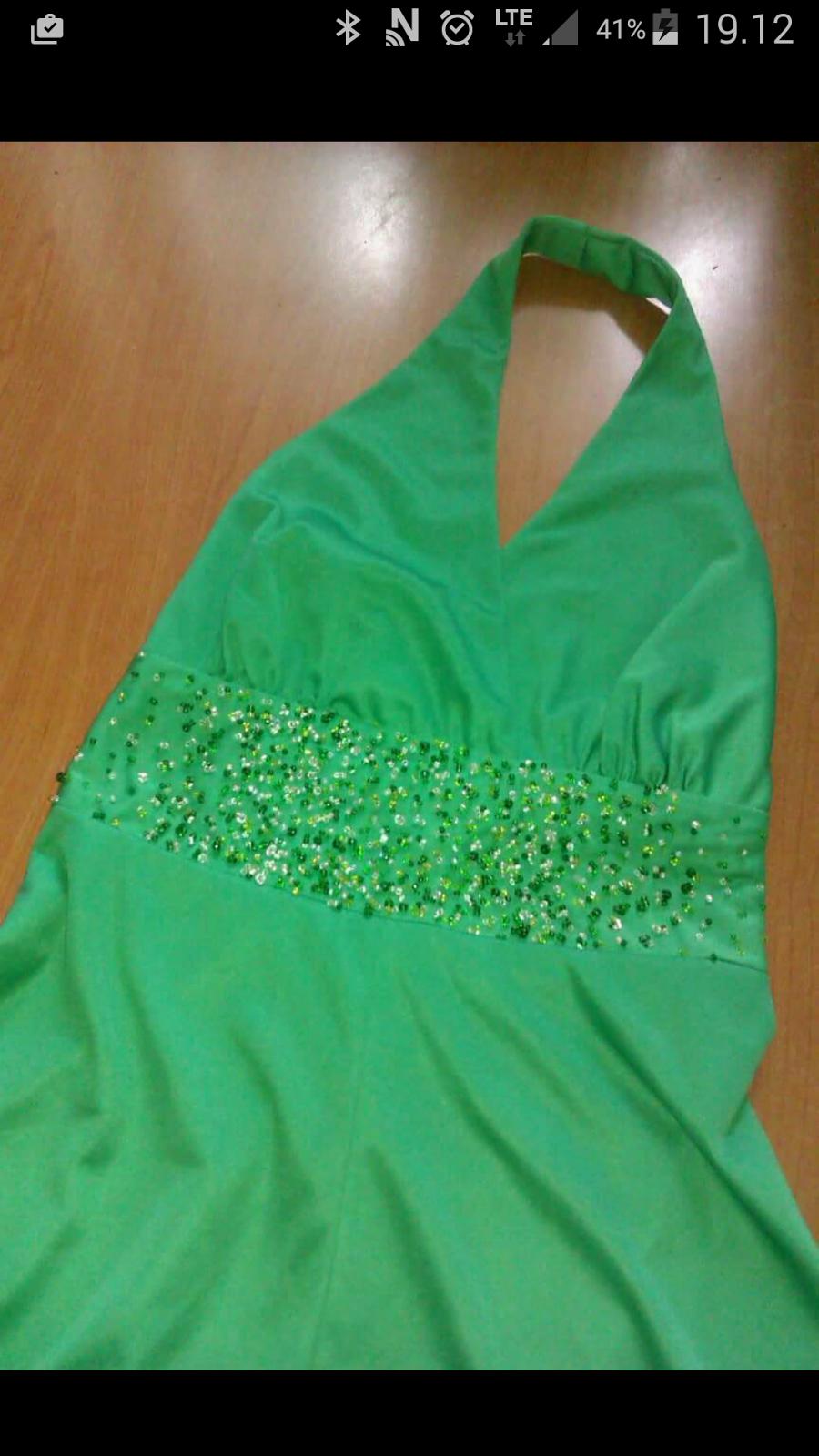 Perlebroderi på vintage kjole