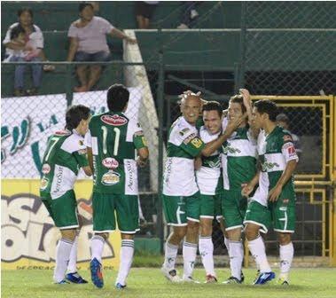 Oriente Petrolero - Festejo del gol de Santiago Raymonda - Club Oriente Petrolero
