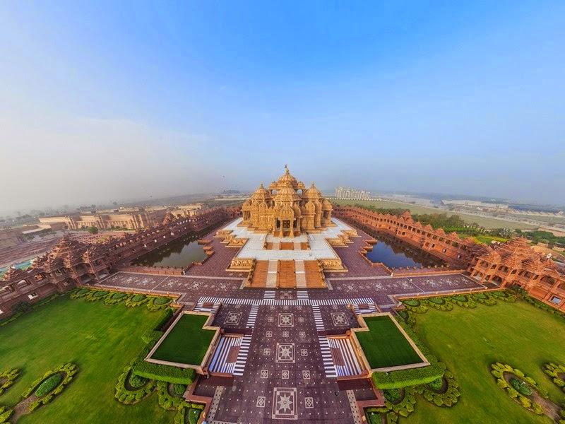Il Tempio di Akshardham  Delhi  (India)